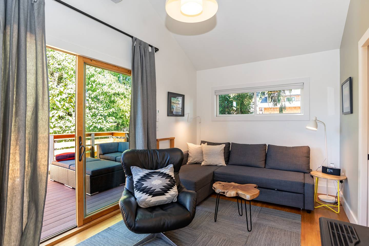 Pet-Friendly-Airbnbs-in-Bend-Oregon-Laverne-Historic Home-Downtown