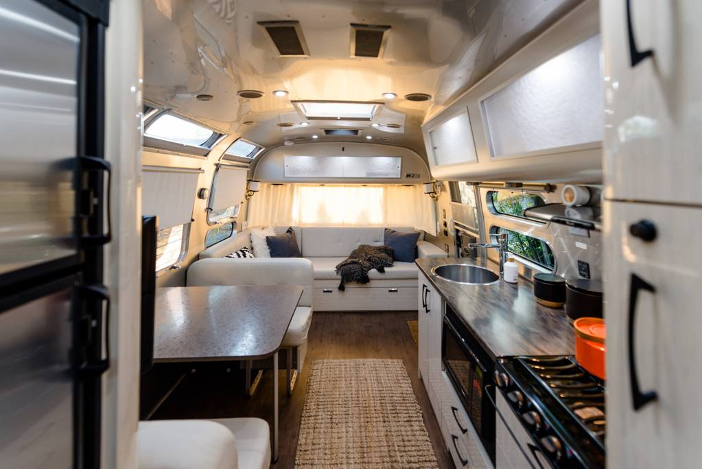 airbnb-bend-oregon-airstream-camper