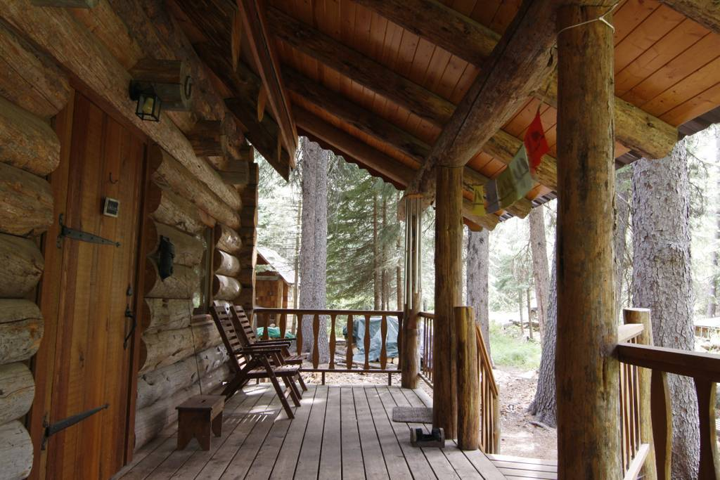 bend airbnb cabin tumalo creek skyliners