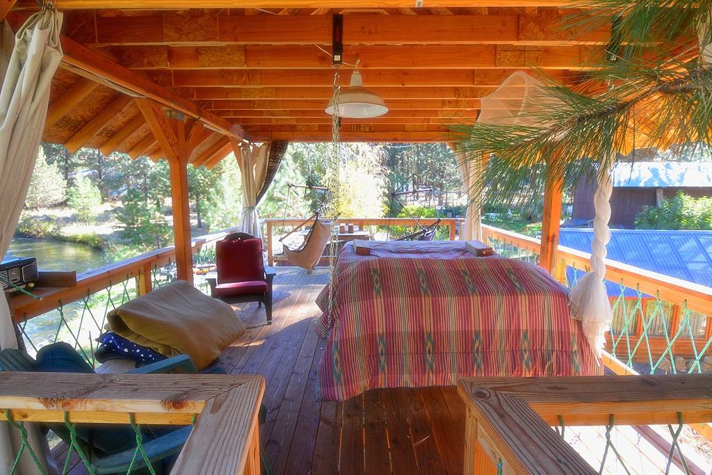 bend oregon airbnb treehouse