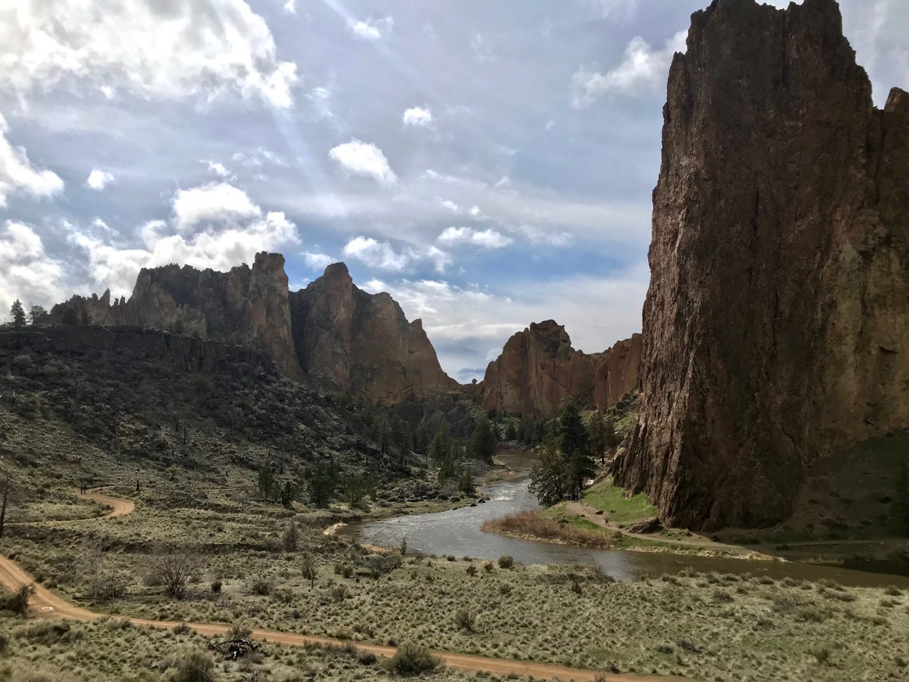 Hiking near Bend - Smith Rocks